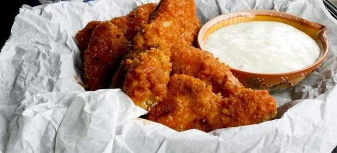 Наггетсы в духовке из курицы, индейки и рыбы — рецепты в чипсах, овсяных хлопьях и панировочных сухарях