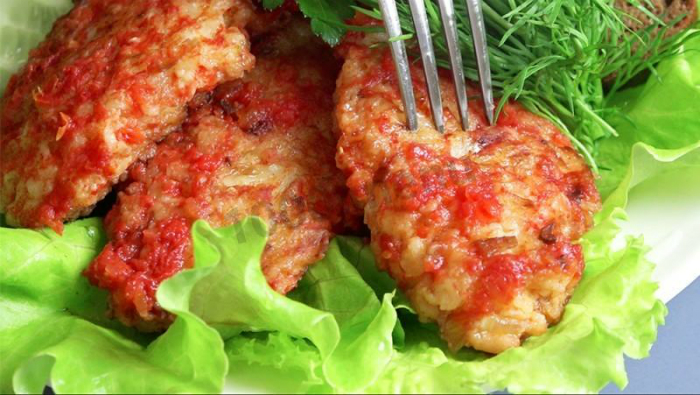Луковые котлеты: вкуснейшее блюдо практически из ничего. Да еще и готовится быстро! Всем советую от души.