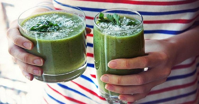 Если заменить этим напитком завтрак, живот и бока исчезнут на 4-й день! Проверено мною и мужем.