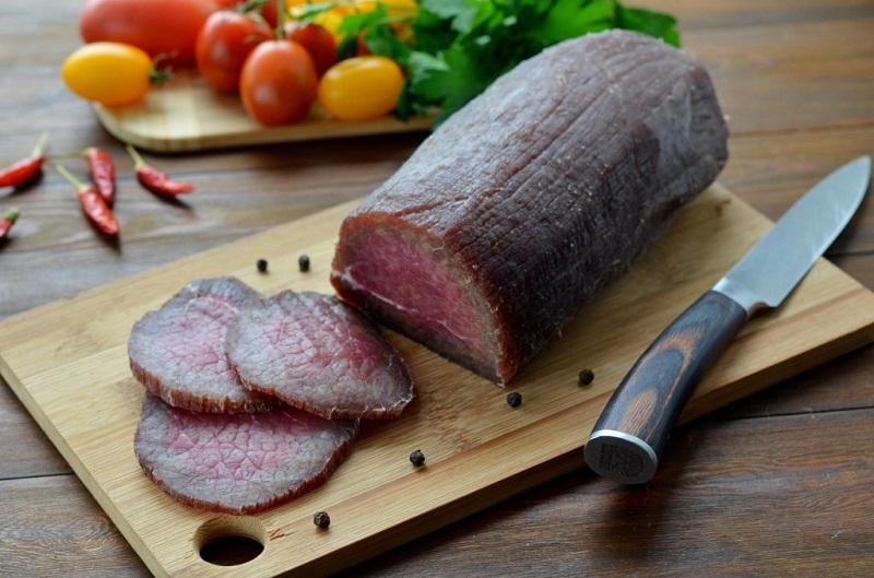 Залей мясо водочкой, а еще лучше — коньяком, и посмотри, что произойдет через 3 дня.