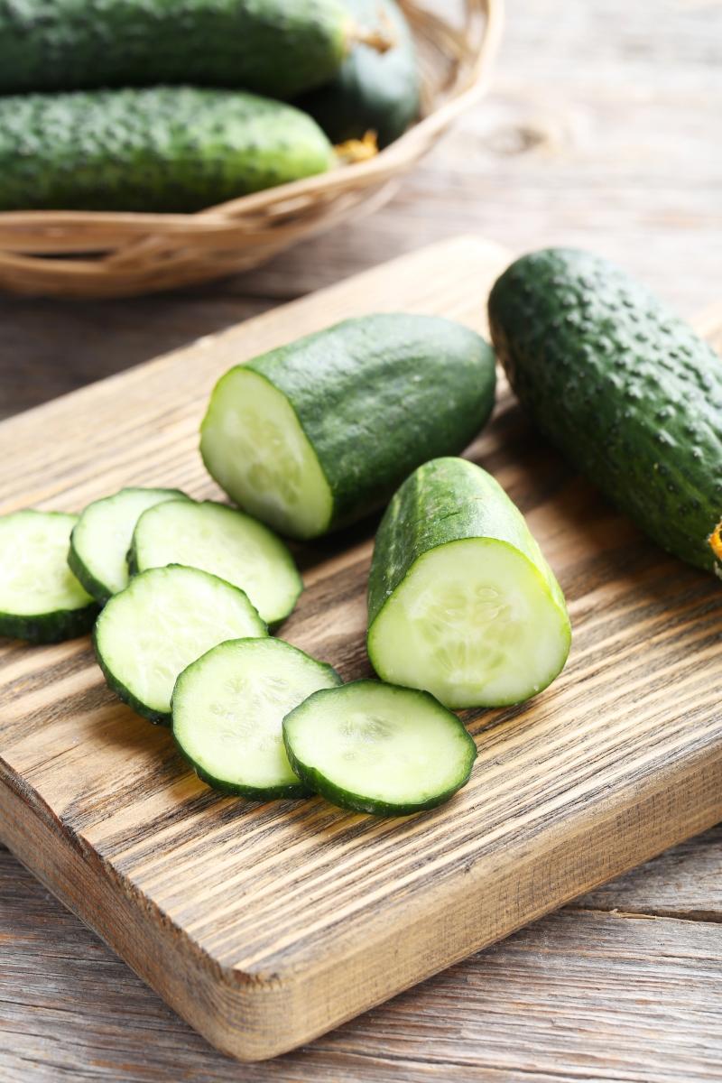 Как приготовить огуречный салат