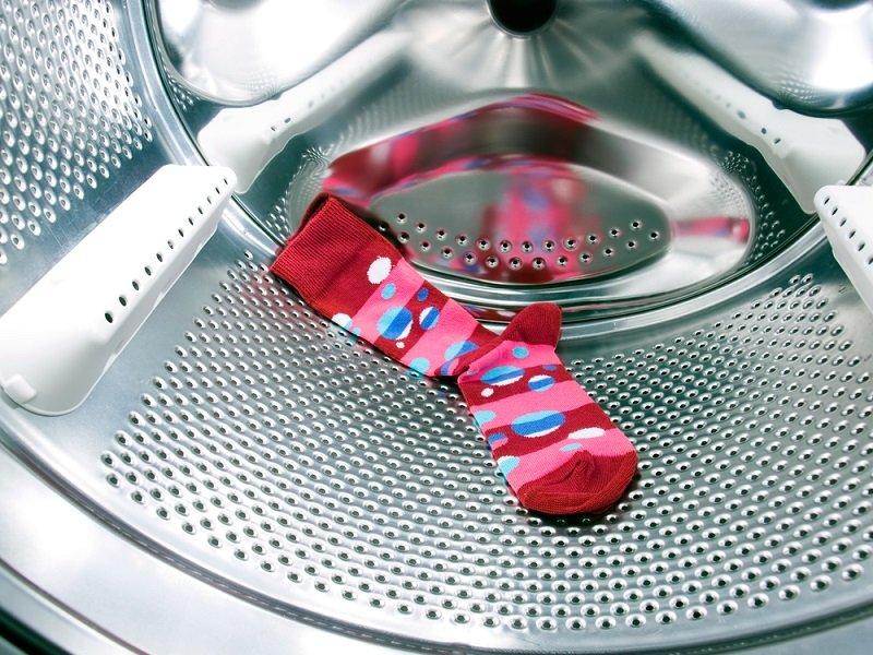 Зачем бросать в стиральную машинку шарик из фольги
