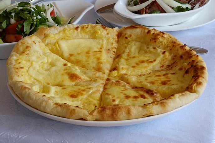 Как приготовить идеальное хачапури с сыром?