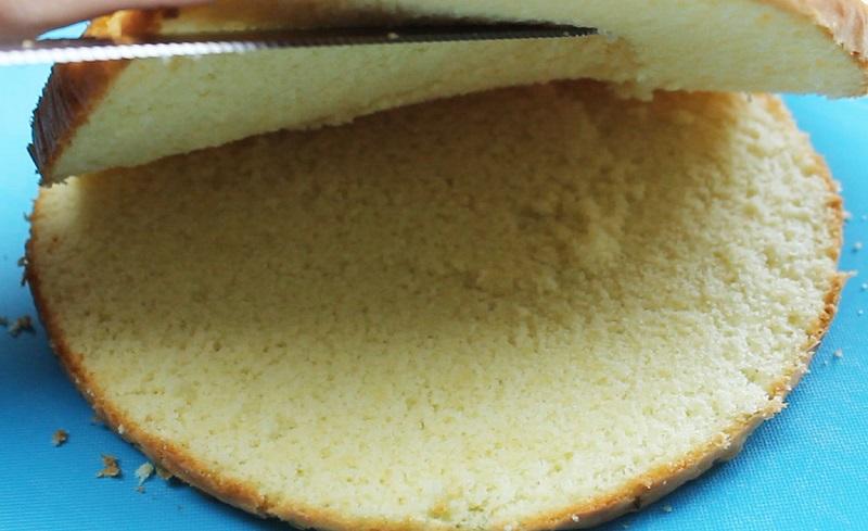 Бисквит «Великан» — поднимается выше крыши без соды и разрыхлителя, без единого горбика.