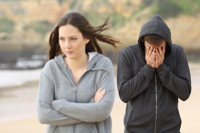 Человек, который постоянно жалуется и ноет, забирает твою жизненную энергию! Убереги себя от истощения.