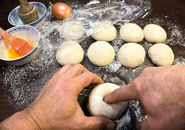 Как испечь иконную узбекскую лепешку