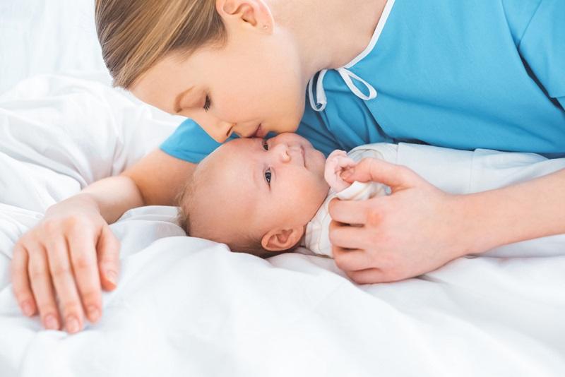 Знаки, которые подают младенцы! 15 подсказок для молодых мамочек и занятых бабушек. Понять маленького человека не так уж и сложно.