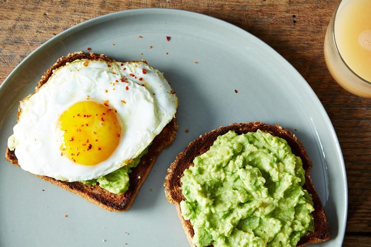 11 интересных рецептов белкового завтрака